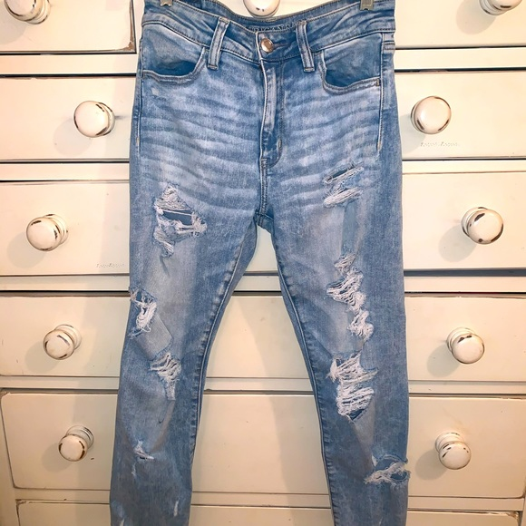 American Eagle Ripped Jeans Size 8